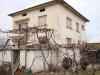 Двуетажна къща в района на Сандански
