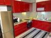 Обзаведен тристаен апартамент в центъра на Сандански